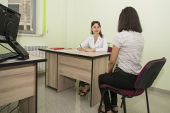 Naira_Zohrabyan_with_patient_Endocrinology_Ajapnyak_Medical_Clinic